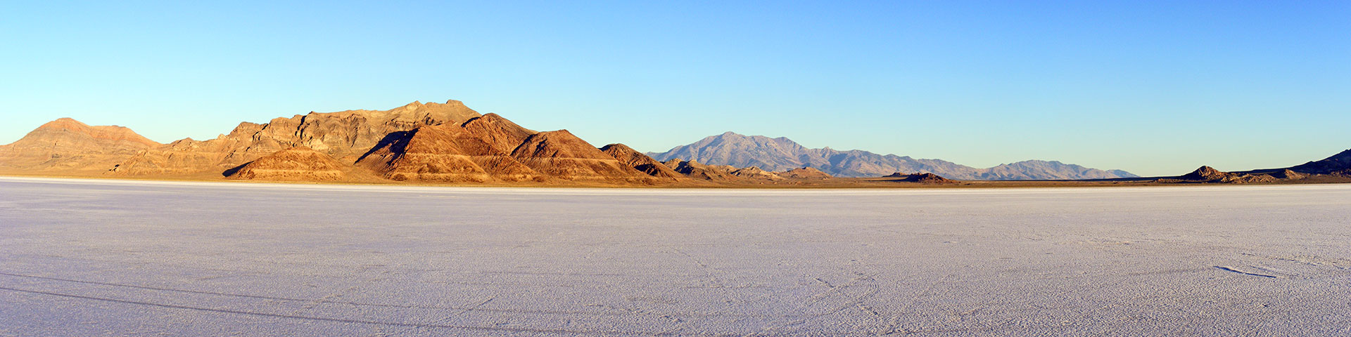 morning_on_the_salt_pano1